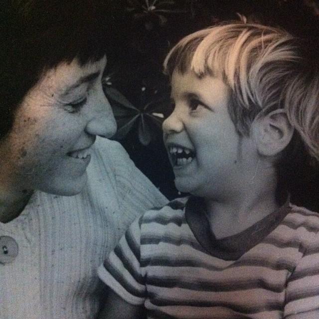 אני (בת שנתיים) ואמא שלי
