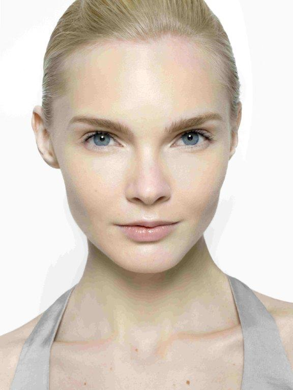 קליניק Beyond+Perfecting+Model+Shot+2