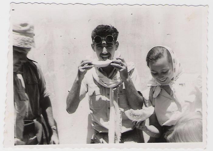 1949 - חת'כת היסטוריה - המשפחה שלי - אמא ואבא זוג צעיר בקיבוץ תל-רעים