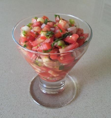 סלסה של עגבניות טריות - הבלוג של שרון מקונדיטוריה שרון & רנה - קונדיטוריה | קייטרינג | מגשי ארוח