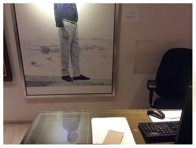 גיורא ברגל, פורטרט חיים שיף, 2004 שמן על בד, 105x147 ס״מ, בטרקלין העסקים.