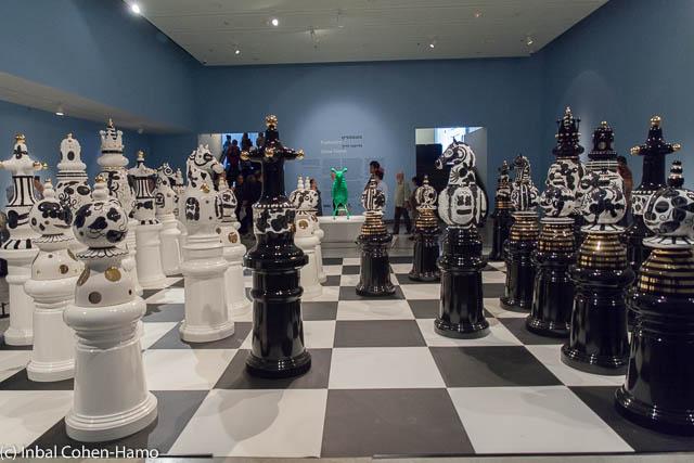 סט שחמט מעץ וקרמיקה עבור פסטיבל העיצוב בלונדון. צילום: ענבל כהן חמו