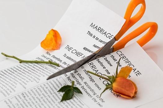 divorce-separation-marriage-breakup-split-39483-medium