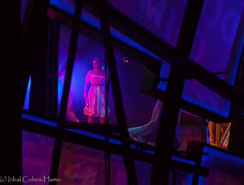 מהחוץ פנימה - רגעי הקסם של אחורי הבמה. צילום: ענבל כהן חמו