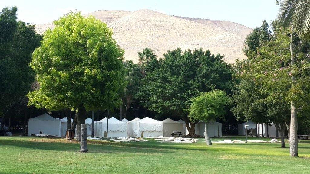 tents-white+1