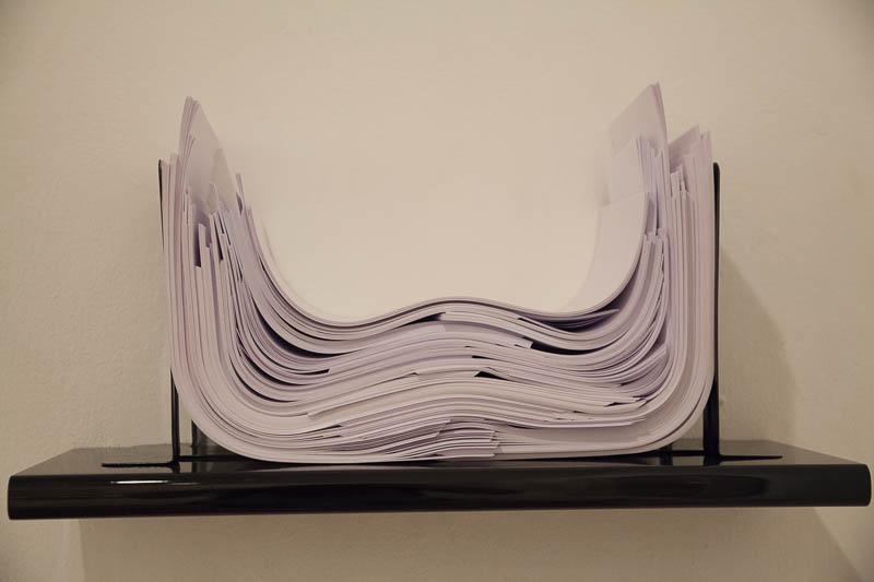 """הילה טוני נבוק, """"ניירת"""". צילום: ענבל כהן חמו"""