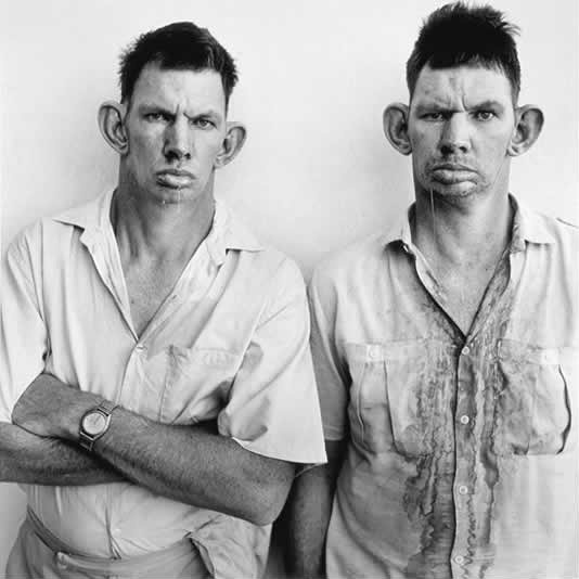 דרזי וקייסי, תאומים, בצילום של רוג'ר באלן מ-1993