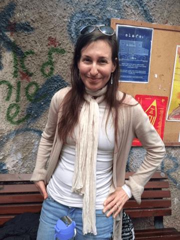 מקסימה וצנועה. מלאני ג'וי בסמינר בתל-אביב