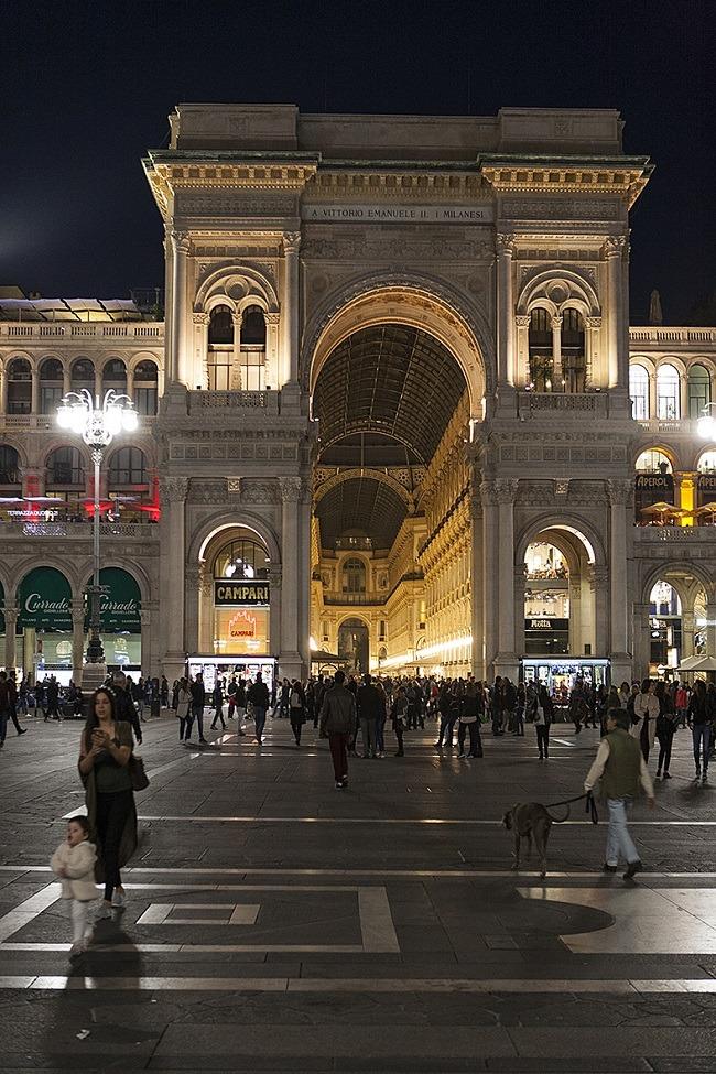 הכניסה לגלריה ויטוריו עמנואל (Galleria Vittorio Emanuele צילום יחצ סולו איטליה