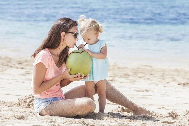 מי קוקוס צעיר: עוזרים לתפקוד הלב ומחזקים את מערכת החיסון (צילום: Shutterstock)