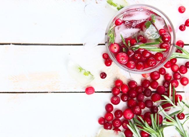 מיץ חמוציות: לא רק לדלקת בדרכי השתן (צילום: Shutterstock)