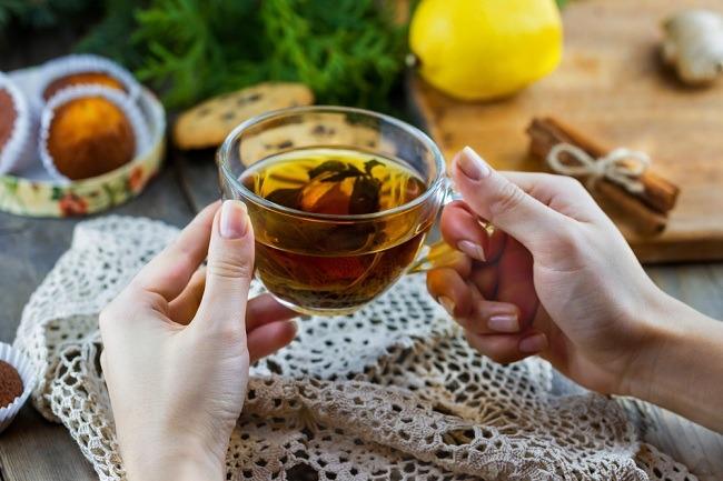 תה ירוק: לשינה טובה ולמראה עור בריא (צילום: Shutterstock)