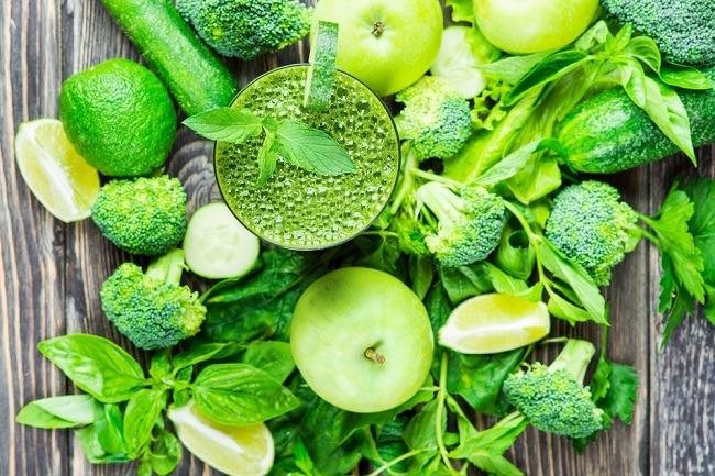 שייק ירוק: תרופה טבעית לטיפול באקנה (צילום: Shutterstock)