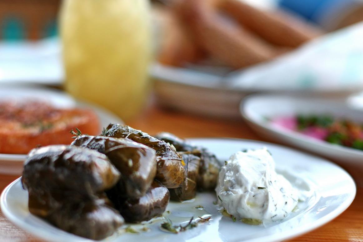פאראקלו בר מסעדה יוונית עדי קאופמן הבלבוסטע במטבח