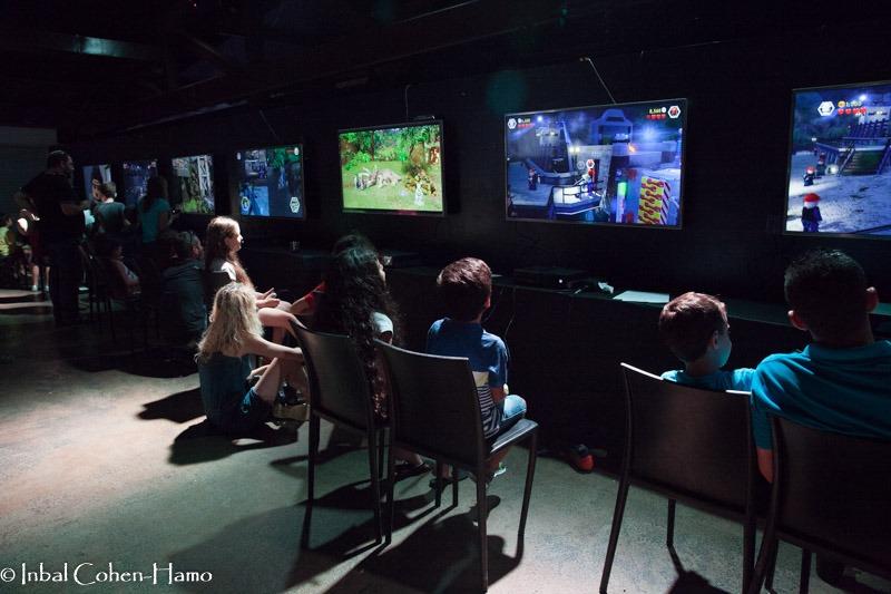 פינת משחקי מחשב וג'ימבורי