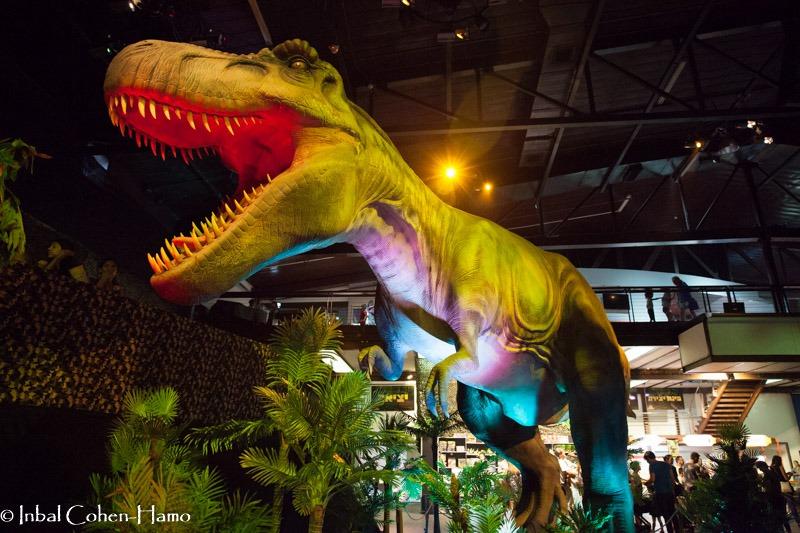 טירנוזואורוס בממלכת הדינוזאורים
