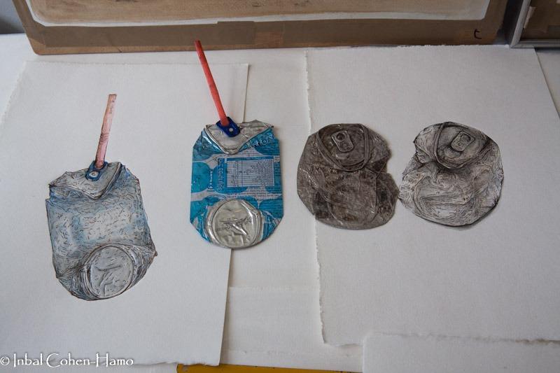 פחיות זבל מצוירות של רודריגו אימז