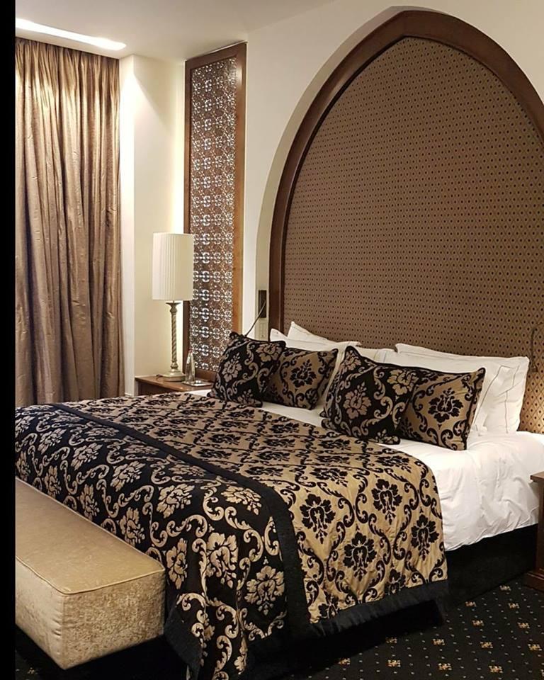 אחת הסוויטות המפוארות במלון הצלך דוד - שועי עולם לנו בחדר הזה.
