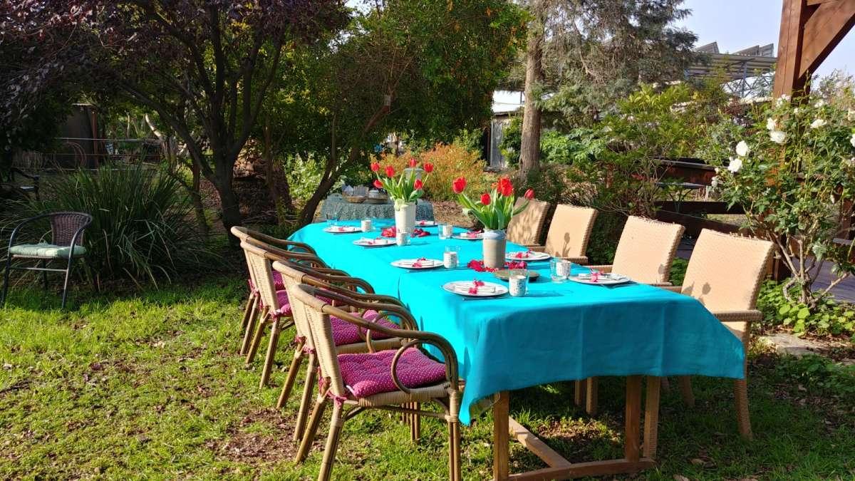 שולחן ארוחת הבוקר שהוכן במיוחד בשבילנו. צילום: דניאל לוצקי