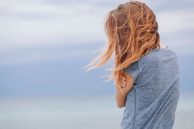 אשה בודדה צילום:  Marjan Apostolovic שאטרסטוק