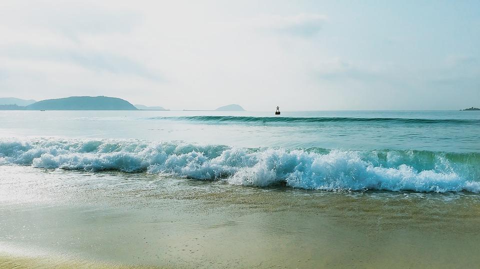 חוף ים. רעיון לבילוי חינם.