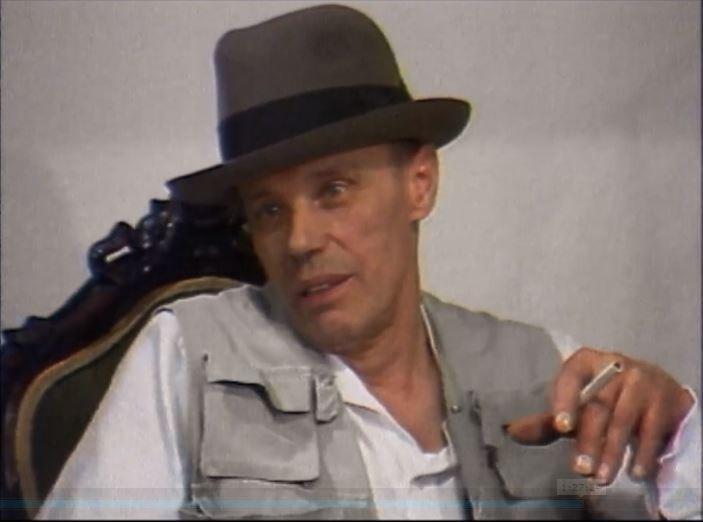 יוזף בויס, במגבעת הנצחית והווסט, מתוך הסרט