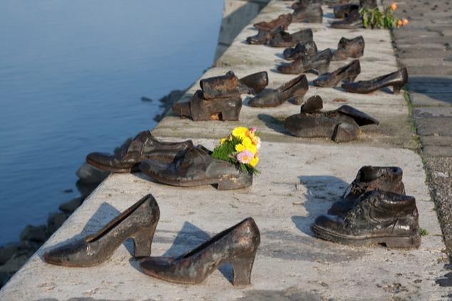 גשר הנעליים בבודפשט (צילום: שאטרסטוק / fibPhoto)