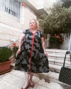 שמלה: Noa Rubin, נעליים: ליידי קומפורט