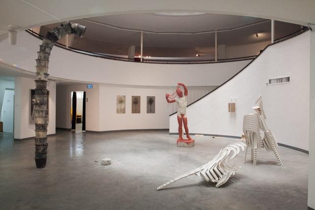 """הכניסה לתערוכה """"שפע"""" במוזיאון בת ים. צילום: ענבל כהן חמו"""