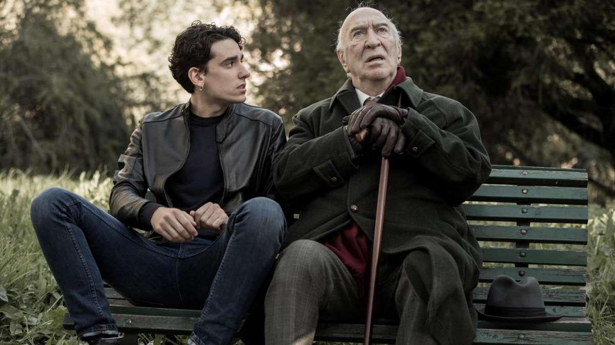 ג'ורג'יו ואלסנדרו בשיחת חולין.
