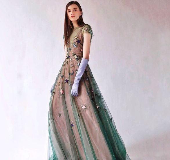 שמלה ארוכה צילום אינסטגרם