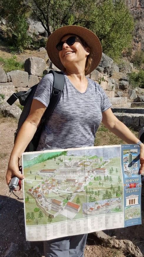 מדריכת טיולים? דוגמנית של ארצות! בהדרכה ביוון