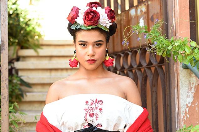מתוך הפקה בהשראת פרידה קאלו למגזין האופנה Itmag. צילום: לימור יערי