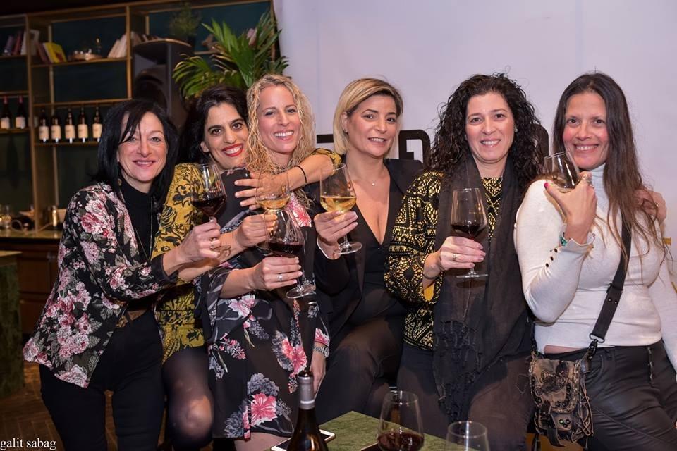 הבלוגריות של סלונה בערב משפחה אמיתית של יקב טפרבג וסלונה  (צילום: גלית סבג)