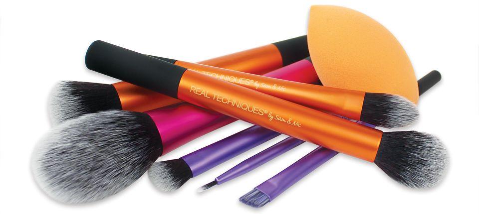 קולקצית המברשות הצבעוניות מבית Real Techniques
