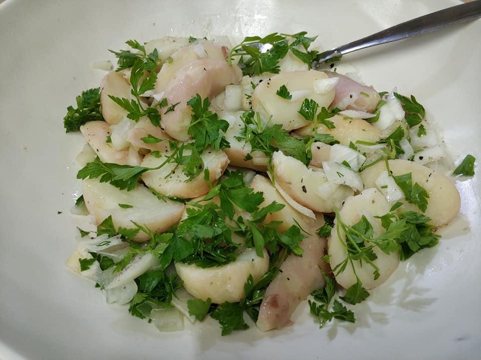 סלט תפוחי אדמה בולגרי