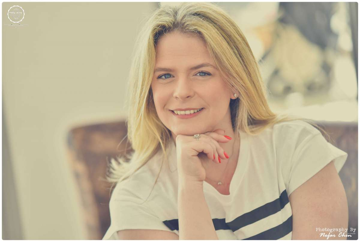 עפרה אפרתי מפיקת אירועים צילום: נופר חן איפור: אודליה רבינוביץ