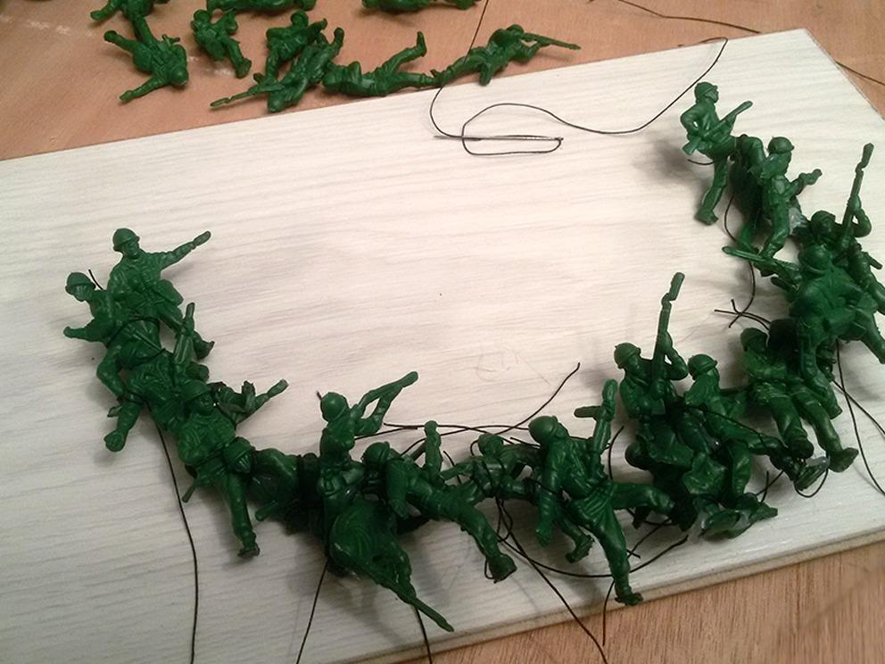 2מירב רהט - שרשרת חיול (תהליך עבודה 2)  - צילום מירב רהט