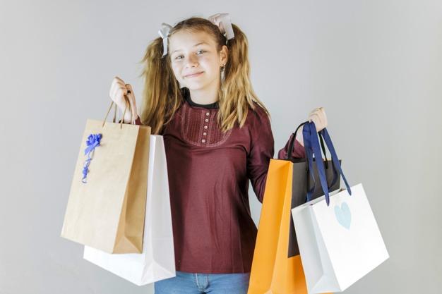 בגדי מותגים לילדים לחג