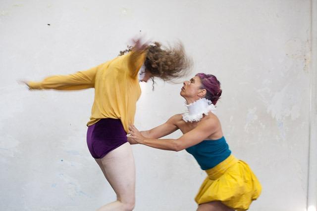 """אפרת רובין ואיריס נייס ב""""פרסונה"""". צילום: ענבל כהן חמו"""