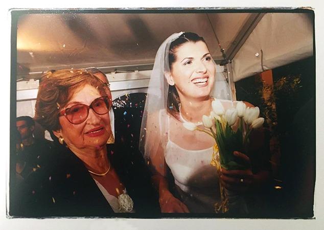 סבתא גיזי, אני וקונפטי 1999 צילום: אלי