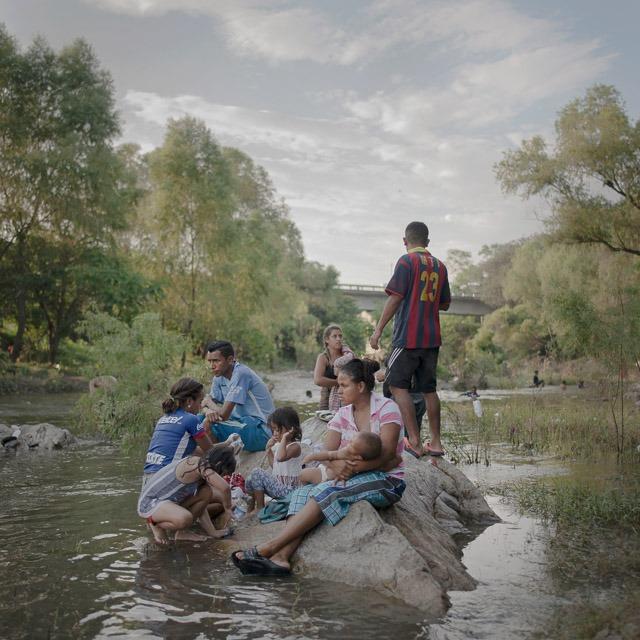 פיטר טן הופן, משפחת פליטים בדרום אמריקה