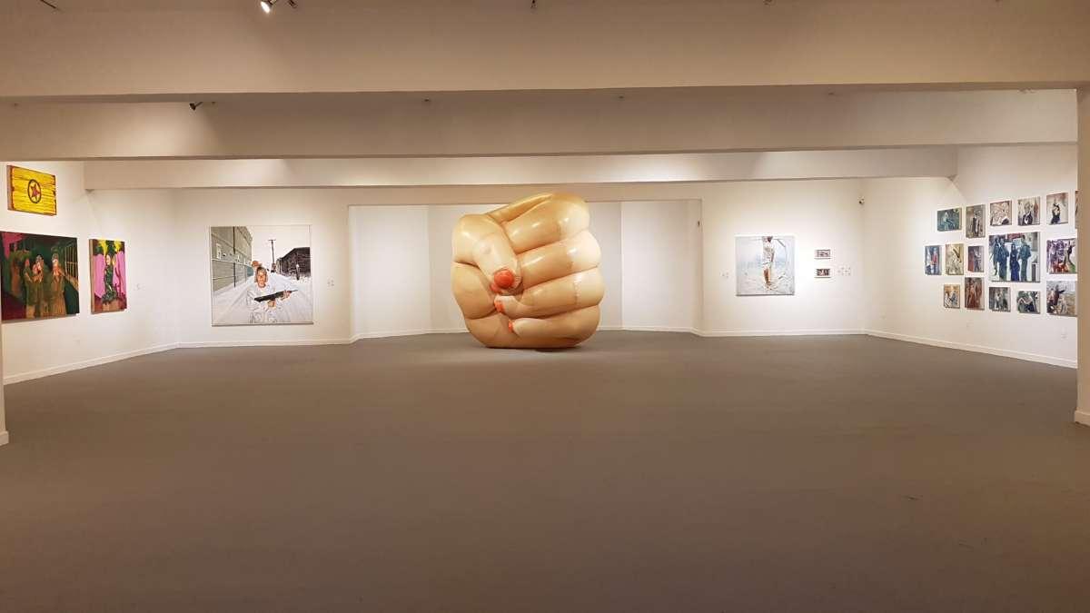 אנטה מונה צ'יזה ולוצ'יה טקצובה מתוך התערוכה. צילום: קרן פרגו