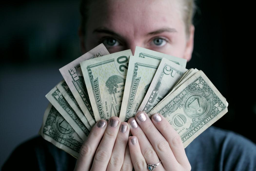 זה הזמן להסתכל לכסף שלך בעינים. צילום: Sharon McCutcheon