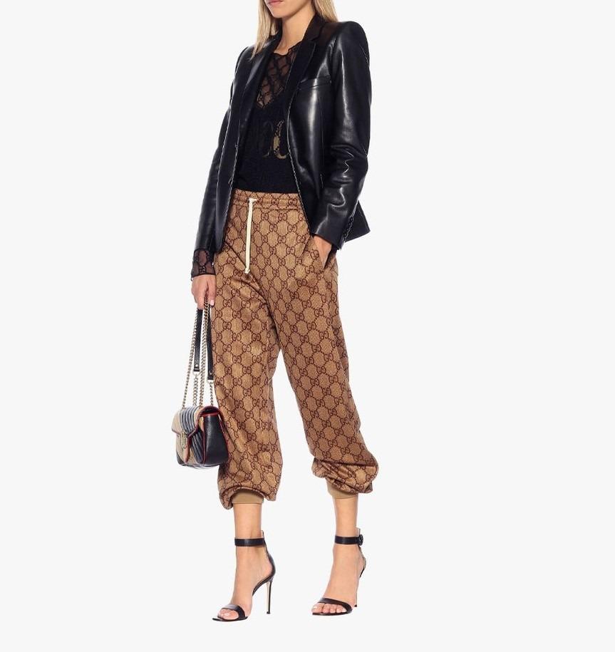 מכנסי וינטג' של גוצי משולבים עם ז'קט עור (התמונה להמחשה בלבד - מתוך פינטרסט)