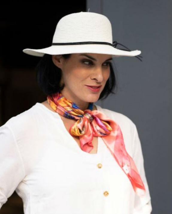 מאיה גז עם כובע צילום רמי זרנגר