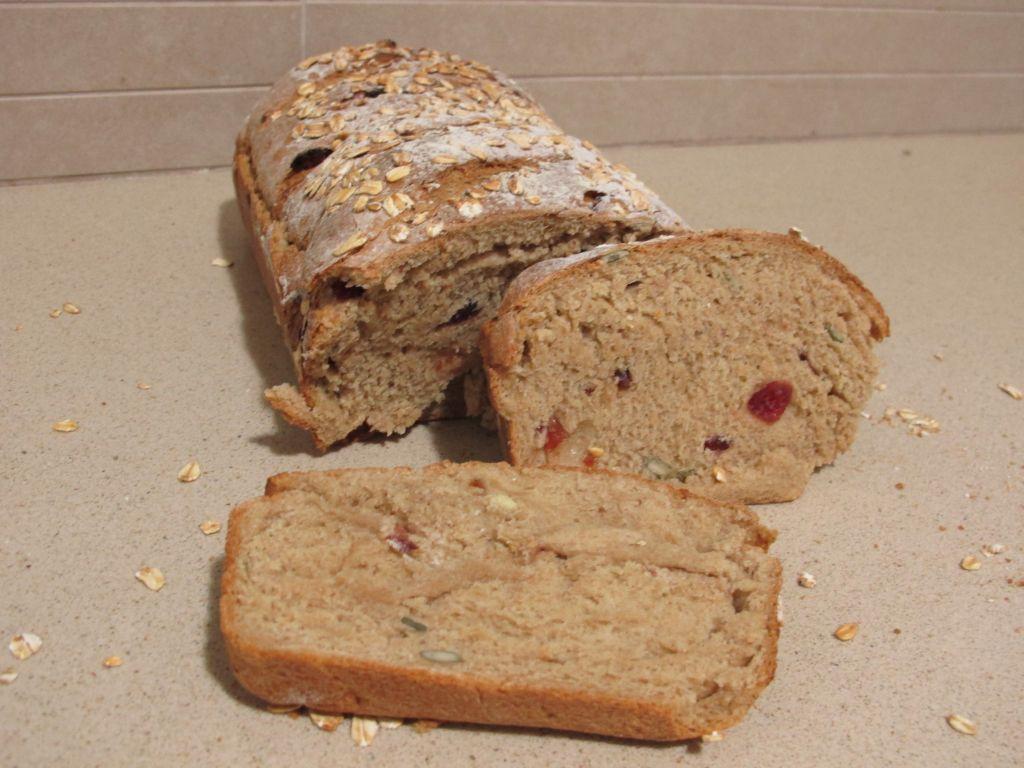 לחם 1