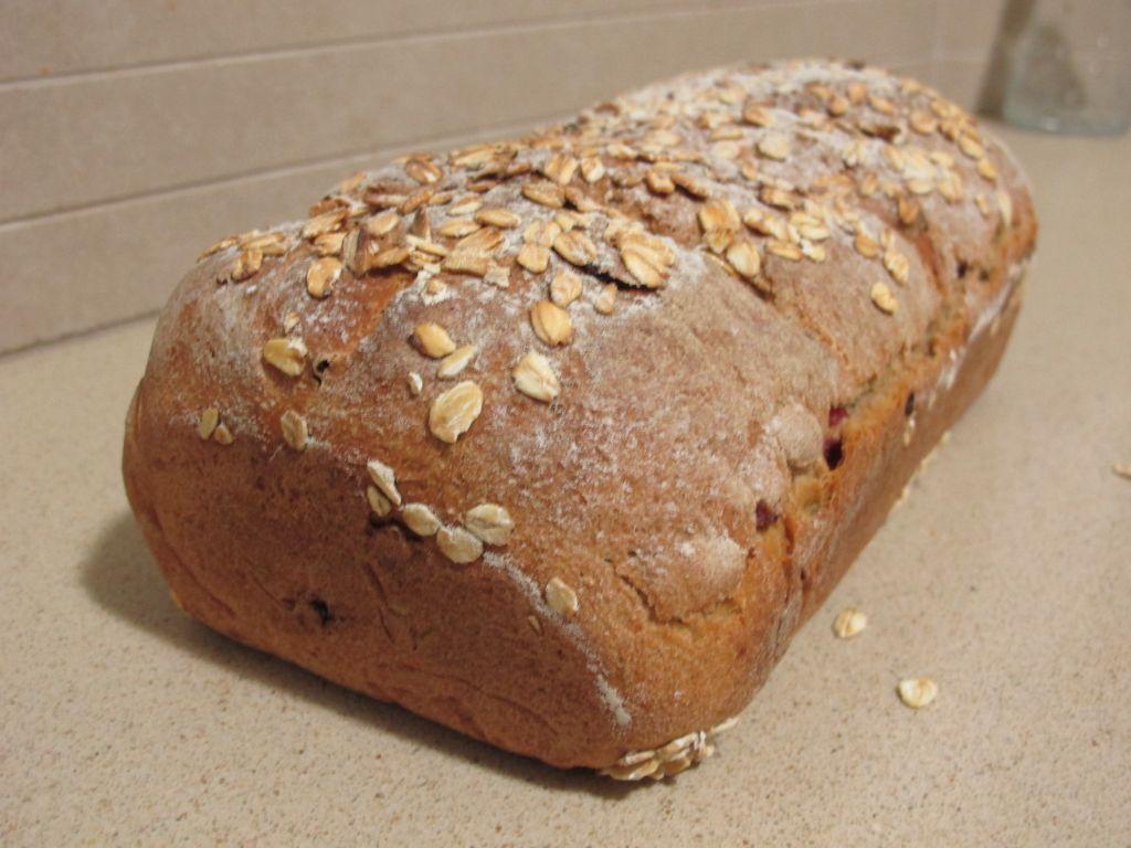 לחם 3