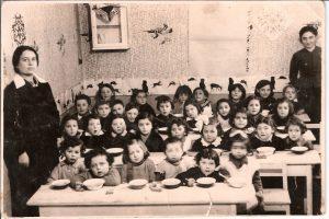 ההיסטוריה שלי - חת'כת היסטוריה, תמונתה של אמא בגן הילדים, 1939 חלם, פולין