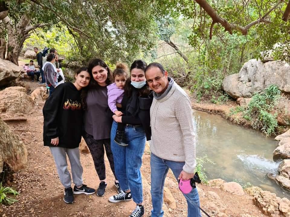 תמונה של חלי ומשפחתה
